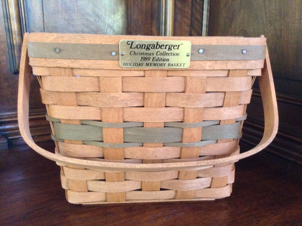 1989 Longaberger Holiday Memory Basket with Plastic Insert