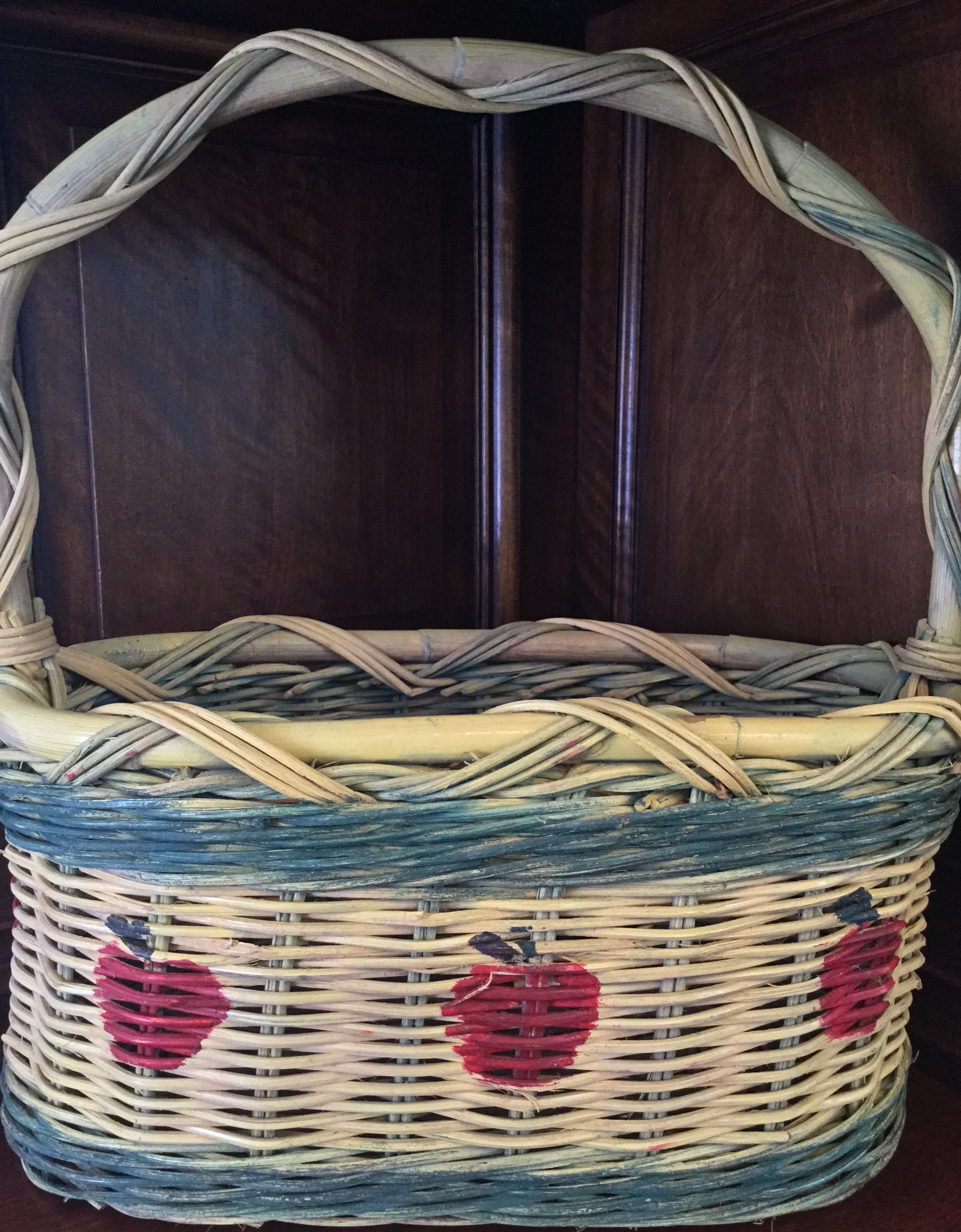 """Apple"" Wicker Basket"