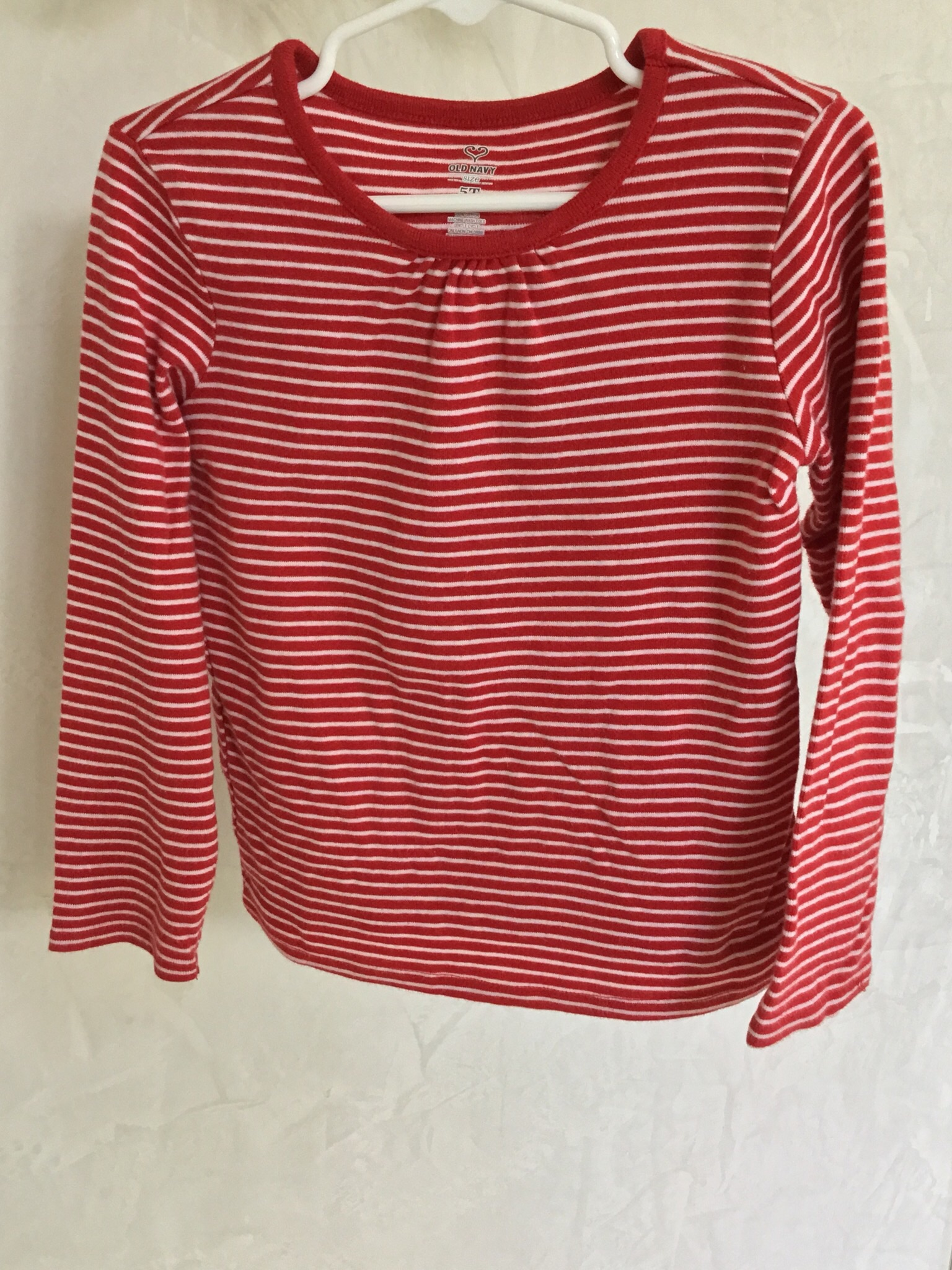 Old navy red and white striped long sleeve t shirt size 5t Striped long sleeve t shirt