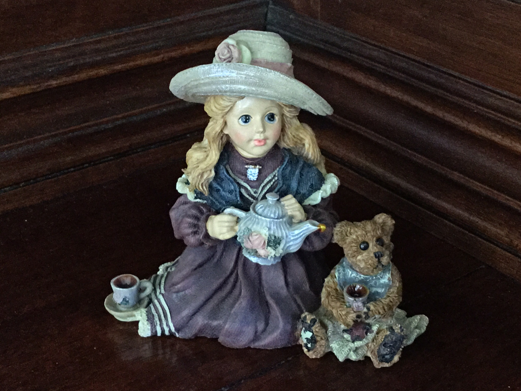 Yesterday's Child, Boyds Collection, Whitney with Wilson...Tea Party