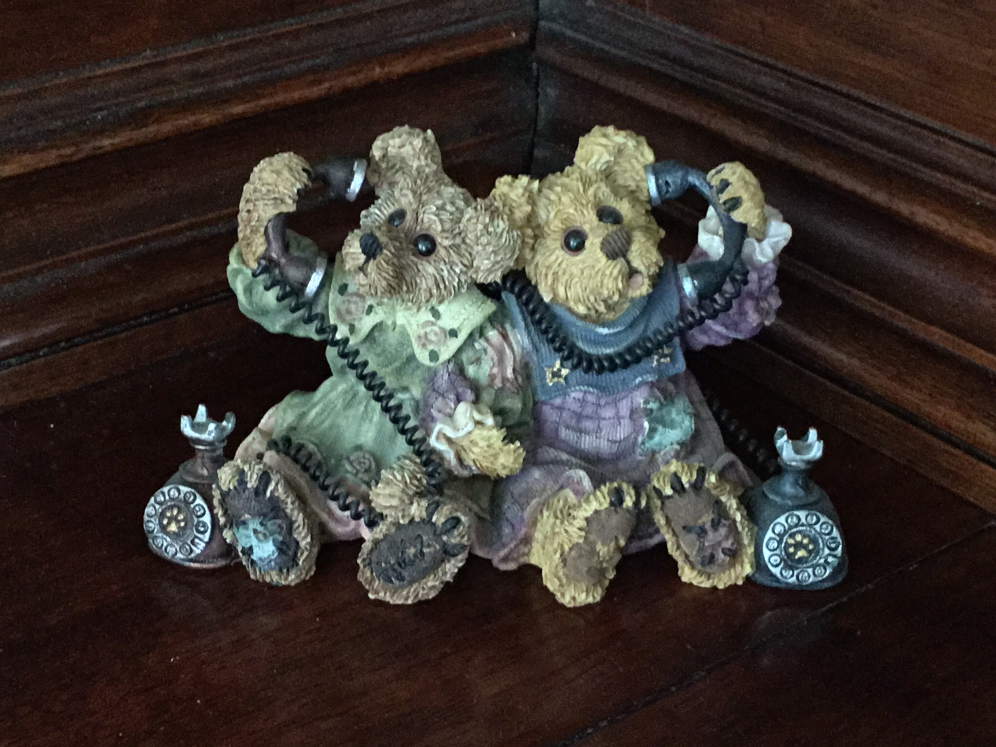 Boyds Bears & Friends, Alexandra and Belle...Telephone Tied
