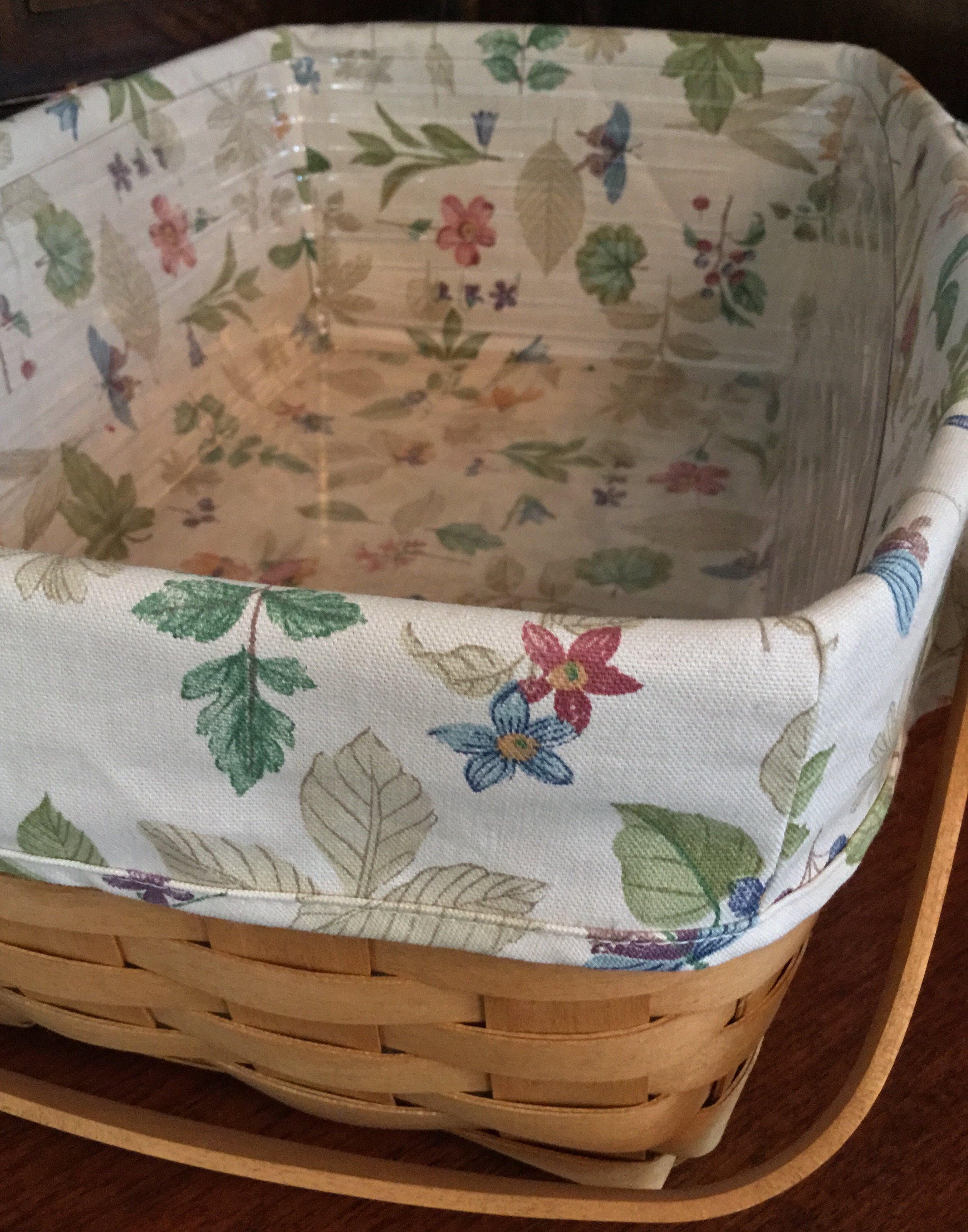 Longaberger Handled Gathering Basket with Fabric Liner and Plastic Protector