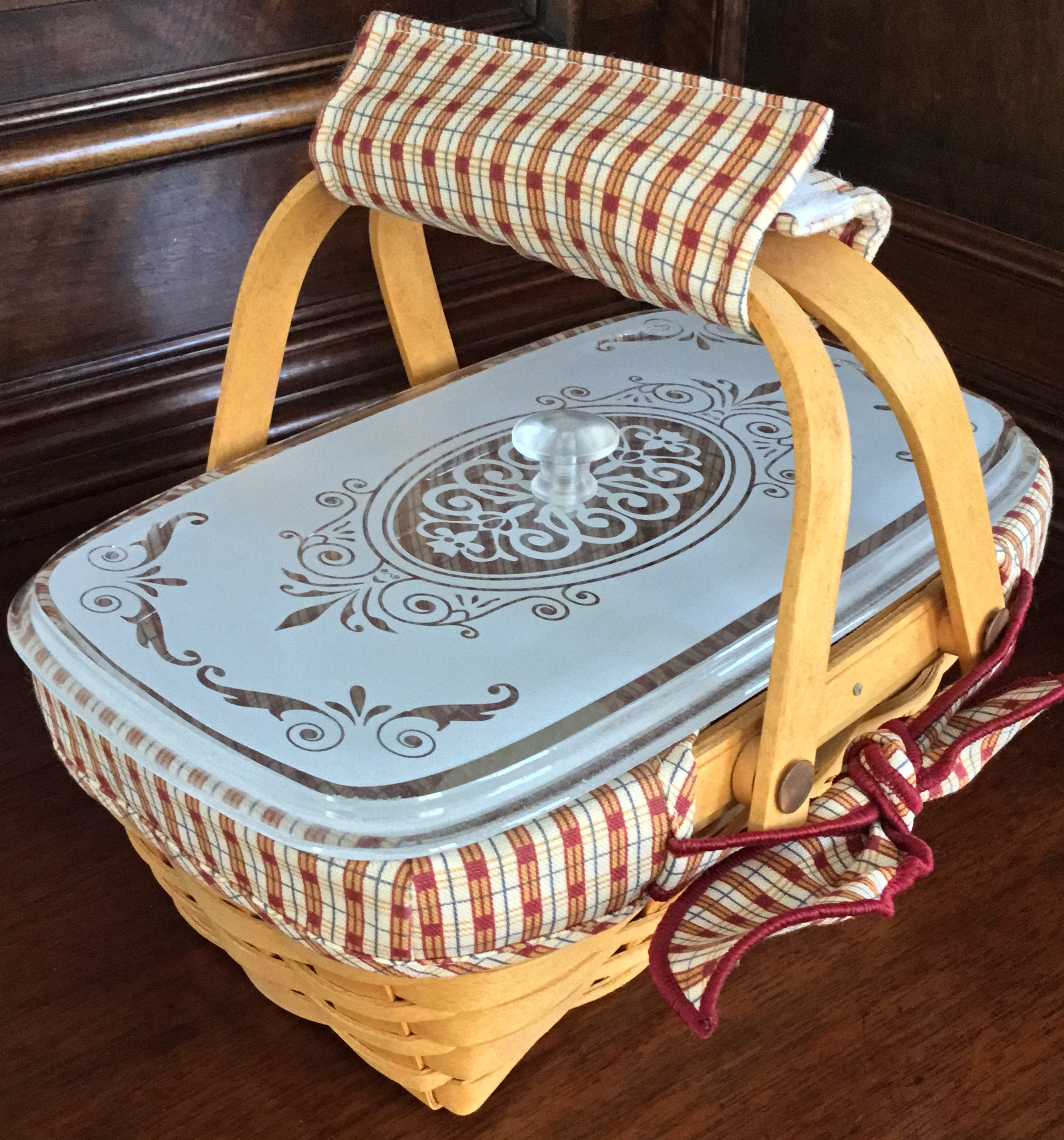 Longaberger Homestead Memories Basket with Lid, Fabric Liner and Plastic Protector