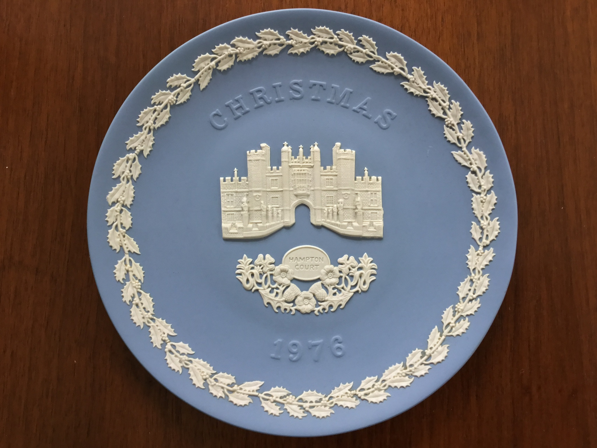 Wedgwood Blue Jasperware 1976 Christmas Plate, Hampton Court