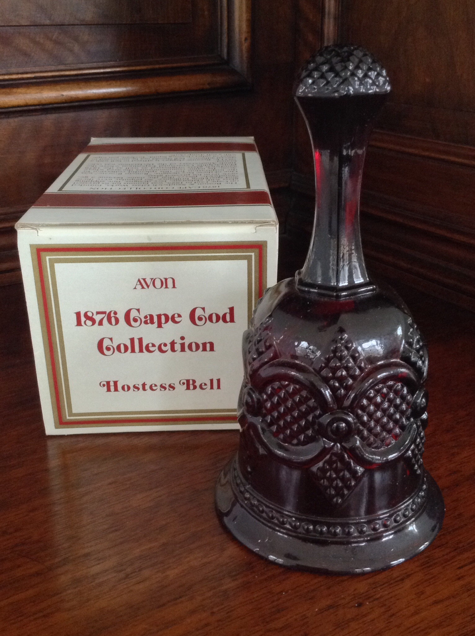 Avon 1876 Cape Cod Collection Hostess Bell
