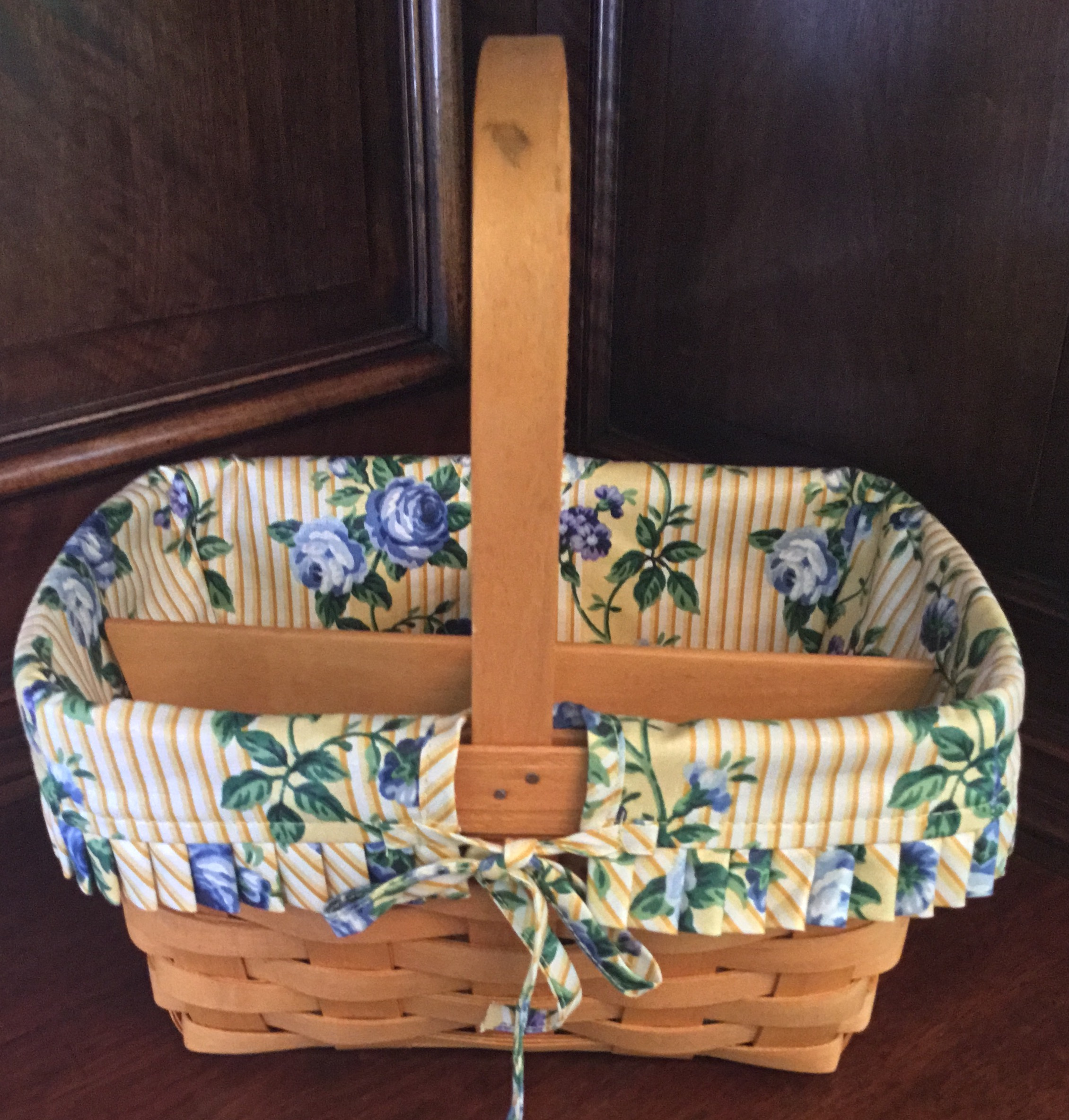 Longaberger Basket with Fabric Liner and Wooden Divider