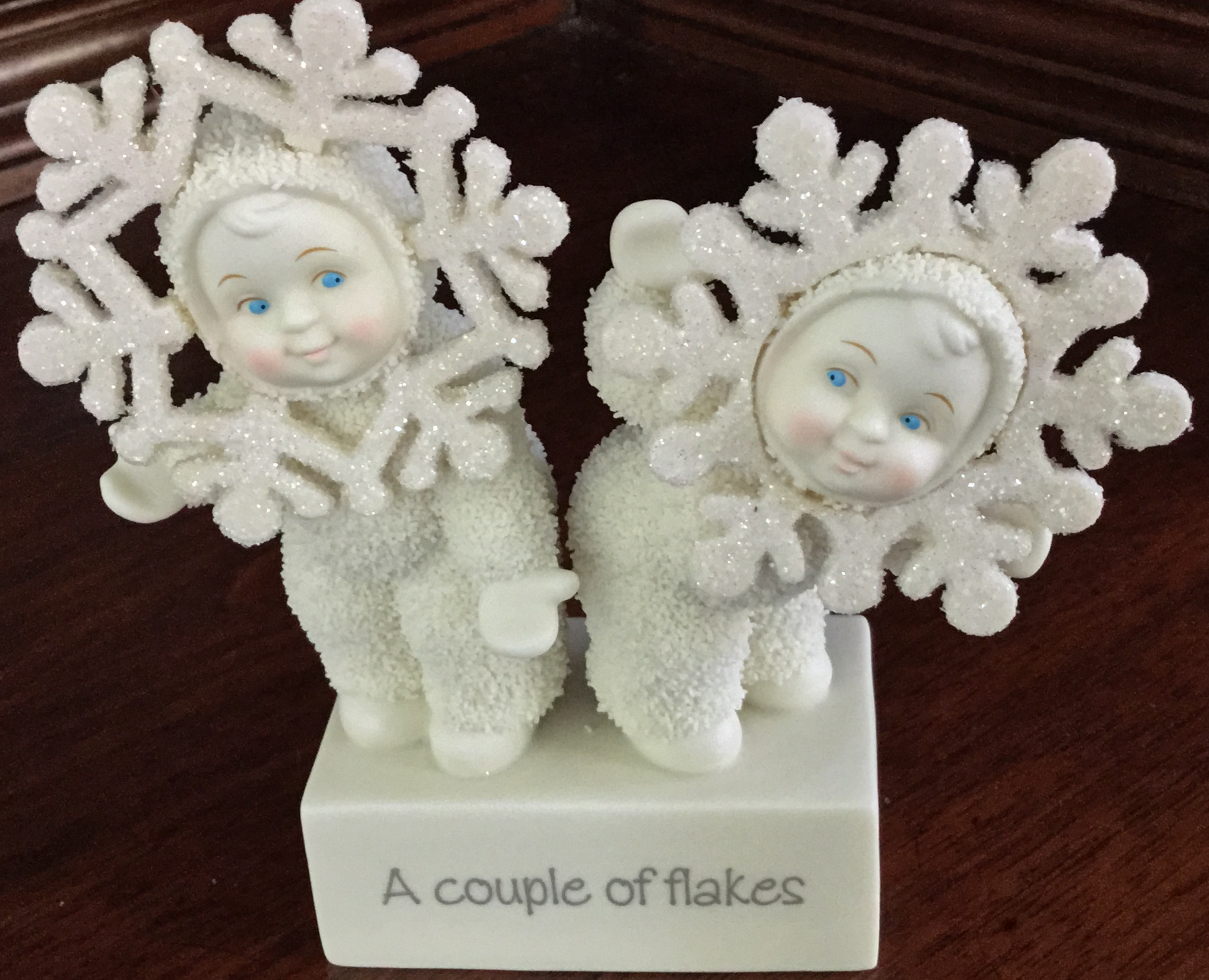 Snowbabies, A Couple of Flakes