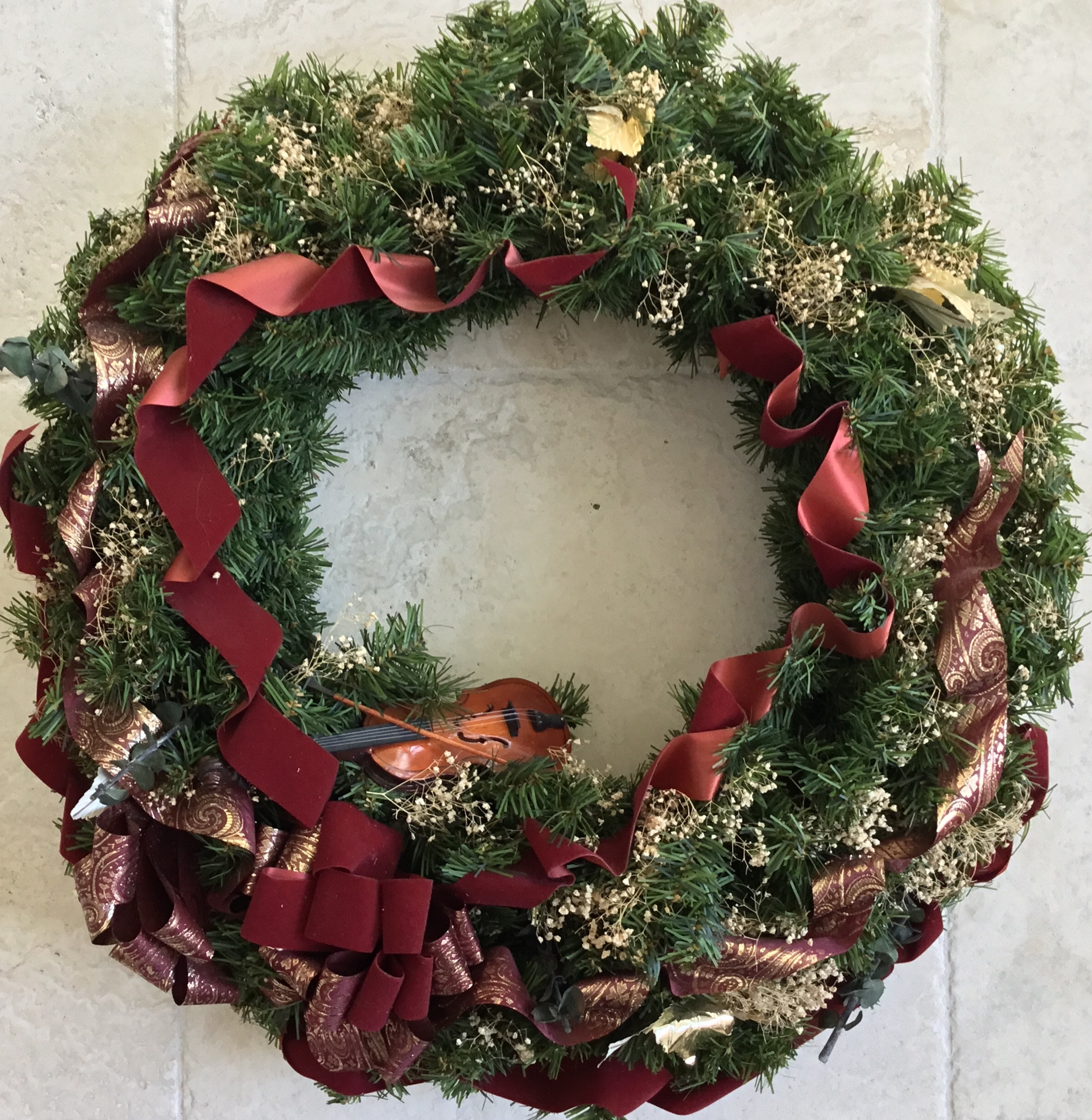 Wreath with Violin