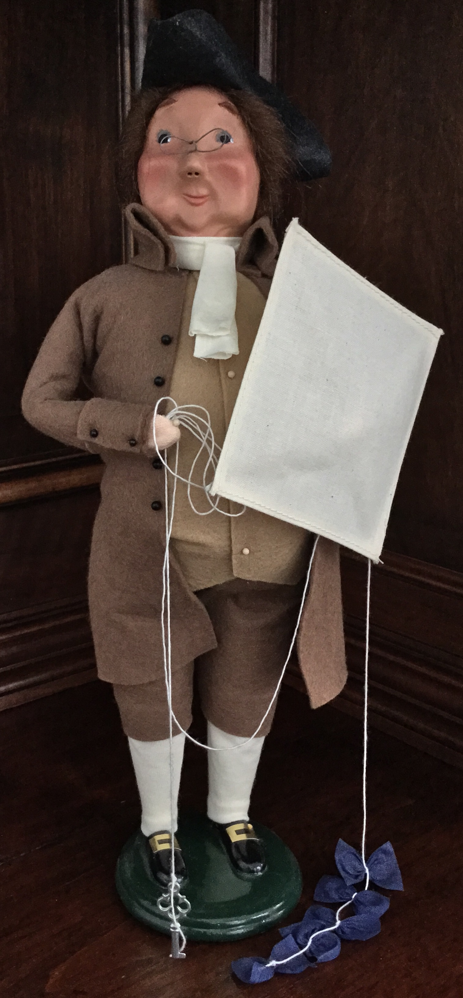 Byers' Choice, Benjamin Franklin with Kite