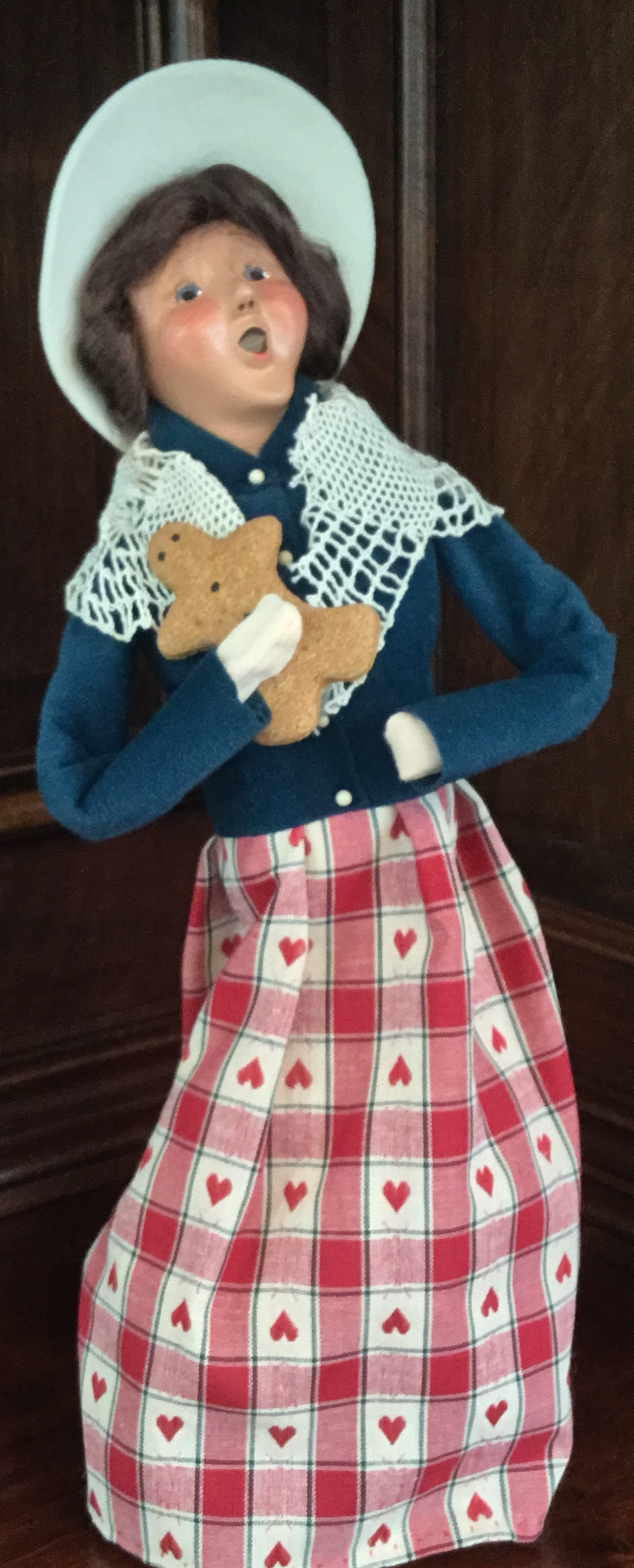 2001 Byers' Choice, Woman with Gingerbread