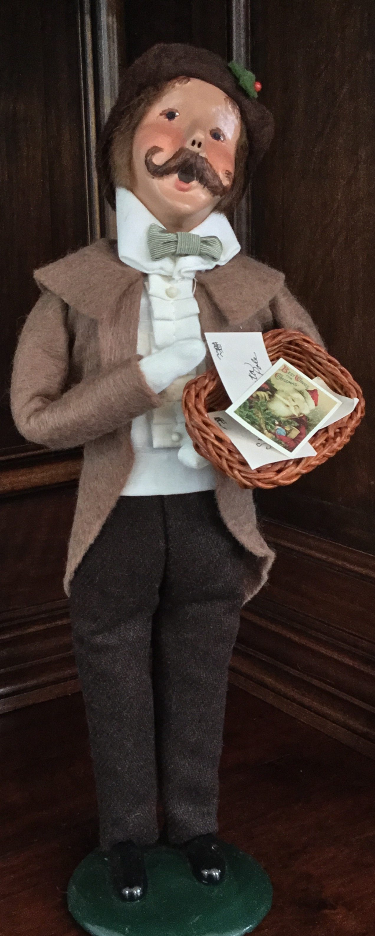 1997 Byers' Choice, Caroler with Cards