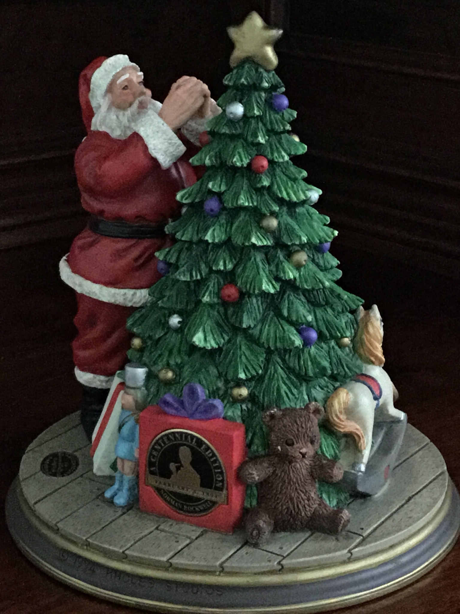 The Rockwell Heirloom Santa Collection, Santa Decorates the Tree
