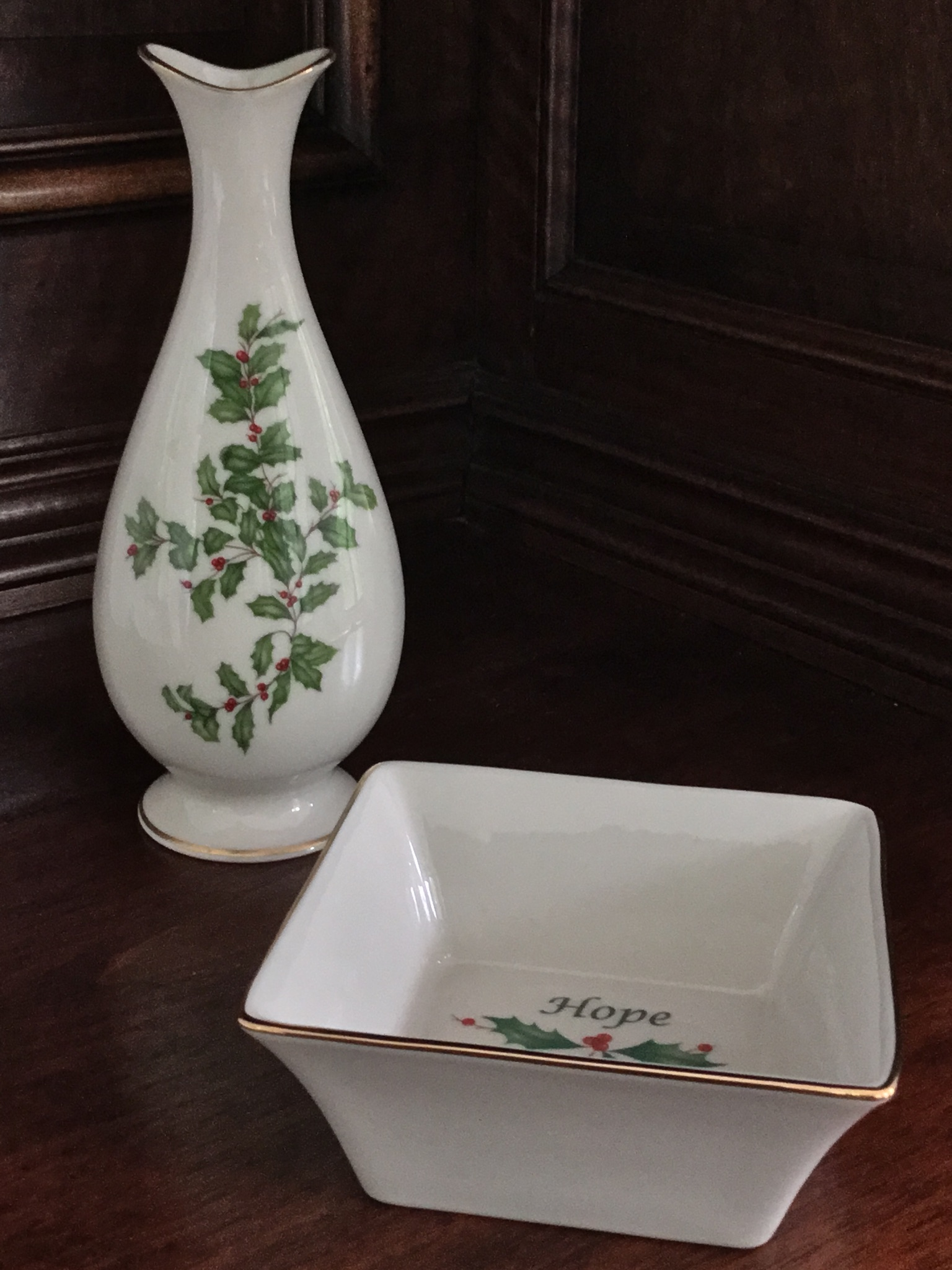 Lenox holiday small vase and square bowl