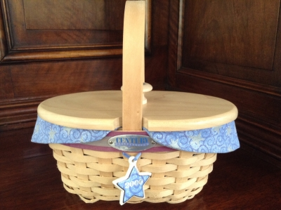 2000 Longaberger Century Hostess Appreciation Basket with Fabric Insert and Plastic Insert