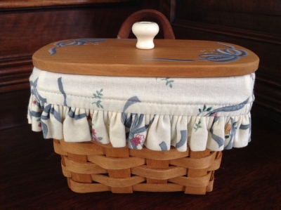 1994 Longaberger Small Hanging Basket with Fabric Insert and Plastic Insert