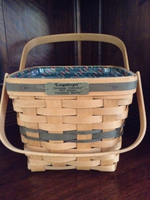 1995 Longaberger Cranberry Basket with Fabric Insert and Plastic Insert