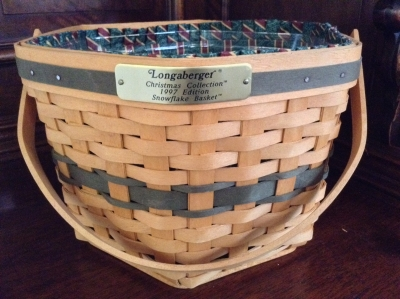 1997 Longaberger Hexagon Snowflake Basket with Fabric Insert and Plastic Insert