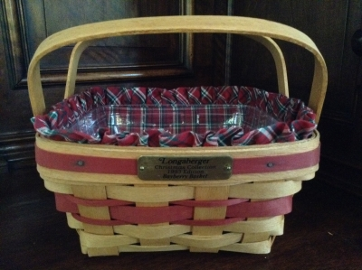 1993 Longaberger Bayberry Basket with Fabric Insert and Plastic Insert