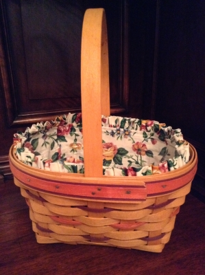 1995 Longaberger Easter Basket with Fabric Insert and Plastic Insert