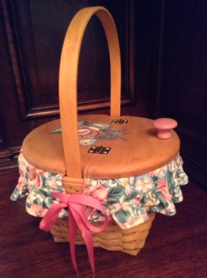 1993 Longaberger Mother's Day Basket with Fabric Insert and Plastic Insert
