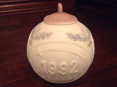 Lladro 1992 Christmas Ball