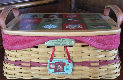 2002 Longaberger Traditions Basket with Lid, Fabric Liner and Plastic Protector