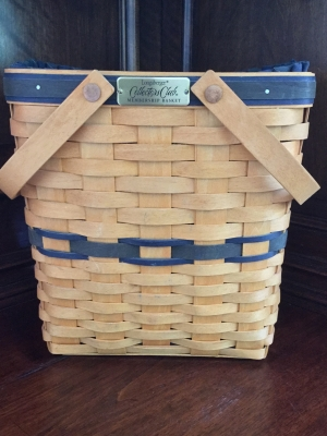 Longaberger Collectors Club Membership Basket with Fabric Liner and Plastic Protector
