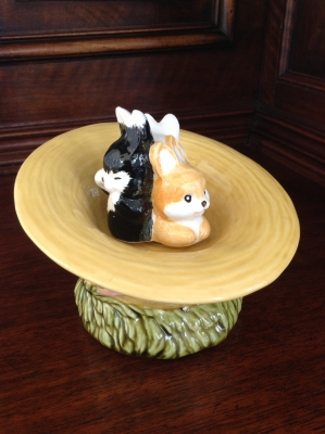 Easter Bonnet with Bunnies Music Box