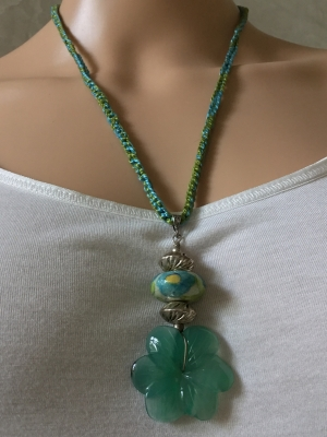 Rope and Green Flower Necklace