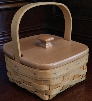 2001 Longaberger Taragon Basket with Lid, Fabric Liner and Plastic Protector