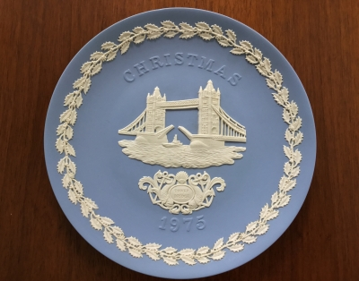 Wedgwood Blue Jasperware 1975 Christmas Plate, Tower Bridge