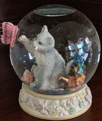 Lenox Curiosity in Bloom Snowglobe