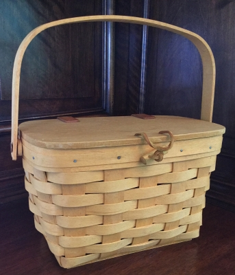 Longaberger Lidded Basket with Toggle Close