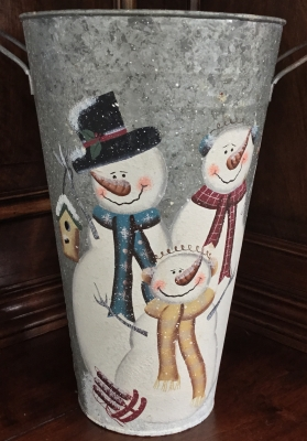 Metal Snowfamily Container