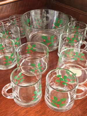 Indiana Glass Co. Holly Glassware Set, 15 Pieces