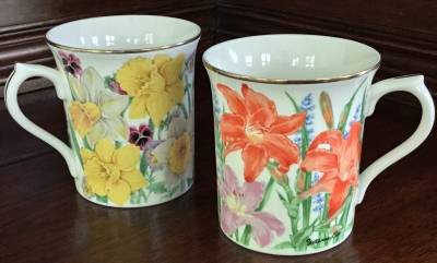 Lenox Day Lily and Daffodil Mugs, Set of 2