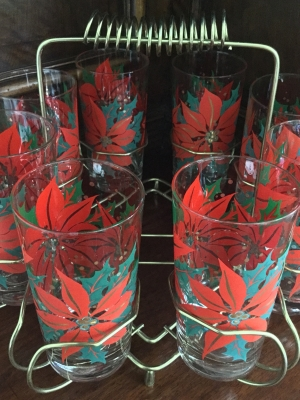 Poinsettia Glasses and Metal Holder, 9 Pieces