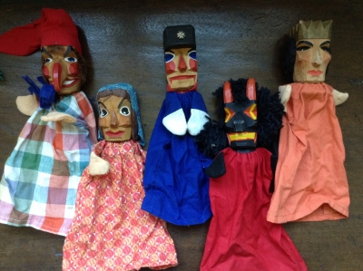 Wooden Hand Puppets, Set of 5 (3 with Spiel Gut tag)