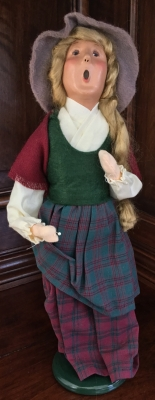 1997 Byers' Choice, Caroler in Plaid