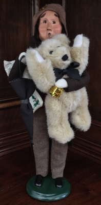 Byers' Choice, Victorian Shopper Man with Bear