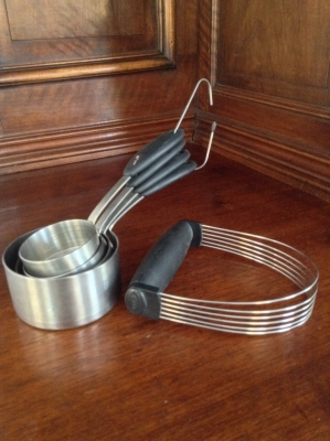 Metal Measuring Cups, Set of 4, and Wire Pastry Blender