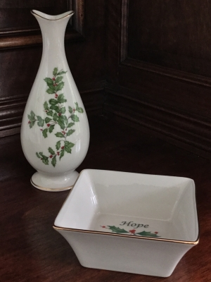 Lenox Holiday Small Vase And Holiday Square Bowl