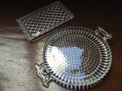 Glass Dishes, Set of 2